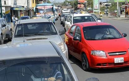 Cambios en vías para frenar el caos vehicular